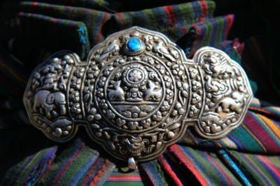 チベタンバックル