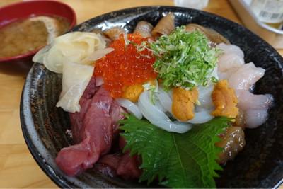 直行海鮮丼!